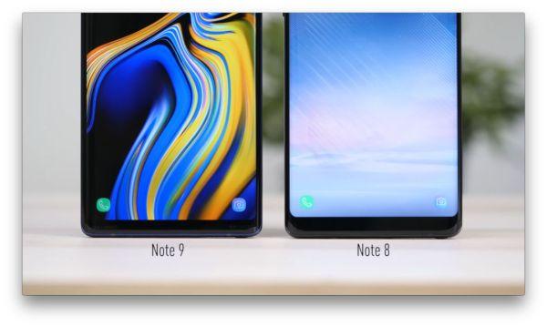 三星Note10的配件裸露在外,而Note9则首�v当其冲.