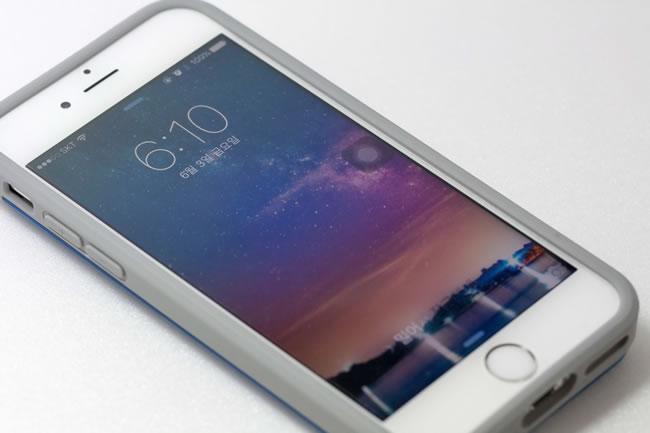 苹果手机屏幕上有个圆圈,手机不能触屏了是为什么?