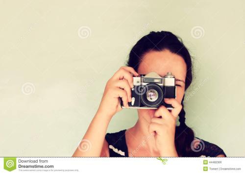 照相机拍出来的相片一直反方向或者是倒着的 怎么调整啊 还是手机问题