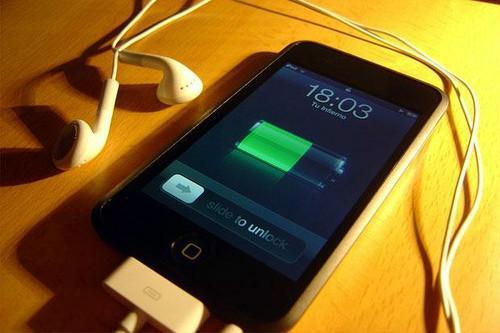 手机显示正在充电,但是就是充不进去电。关机重启后也没用,请问该怎么处理