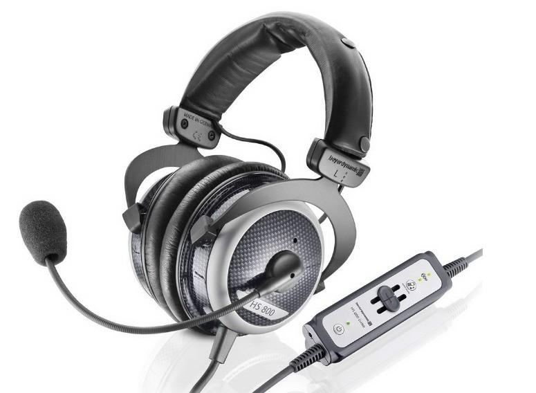 为什么耳机麦克风说话有很大的电流声?