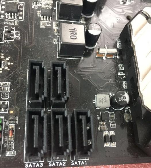机械硬盘和固态硬盘同时使用肿么装机?