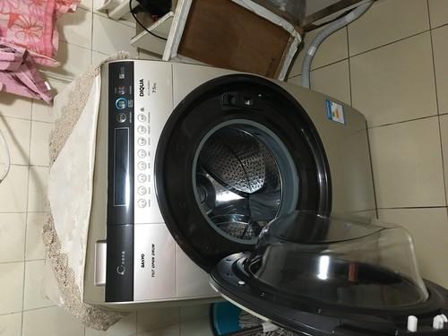 三洋帝度台洗衣机全自动滚筒洗衣机。垃圾怎么排出去?还是在...