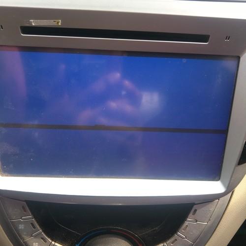 我的车载一体机,每隔十分钟出现一次,SD卡和影音蓝屏,怎么...