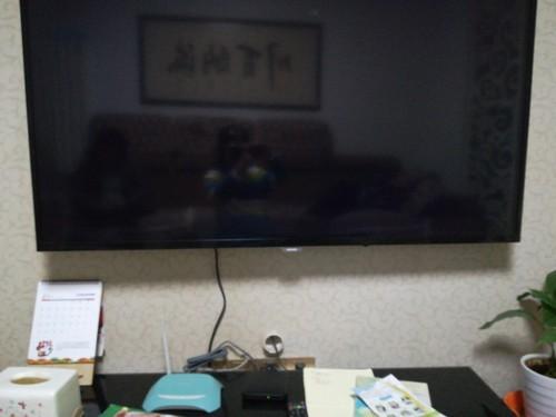 电视剧不知道被小孩按了哪个键 开机是黑屏 按什么都是黑屏 ...
