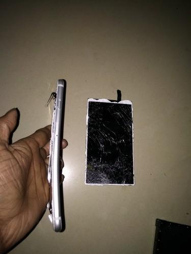 您好!我的苹果手机6splus摔的如下图这样可以修好吗?没过保...