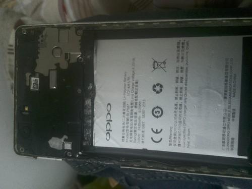 我的手机OPPO为什么充电显示屏开关开关的也开不了是什么原因...