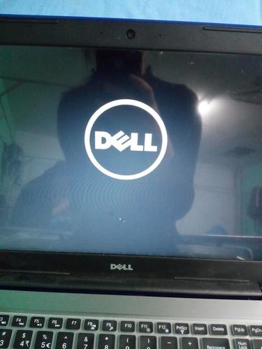 开机建正常亮,但是刚开始是有Dell符号,后来就是全深蓝屏,...