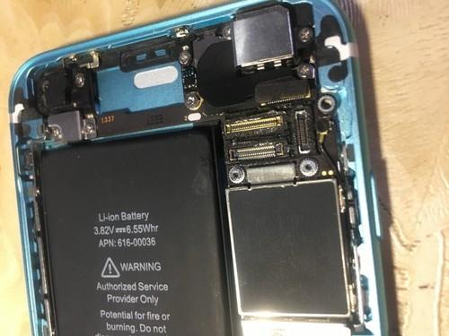 苹果6s更换后壳时在装屏幕的时候烧了是怎么回事?维修要多少...