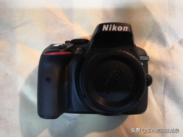 想学摄影看上了尼康的D5300,值得入手吗?