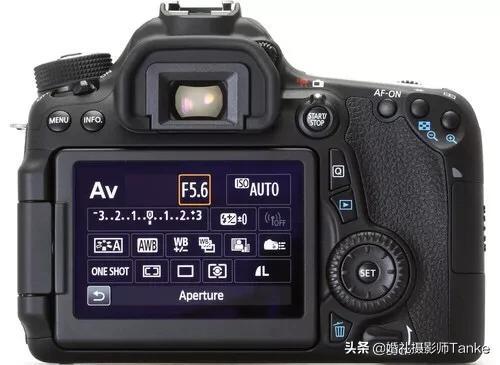 二手佳能70d加一个镜头18-135is,2500的价格值吗?