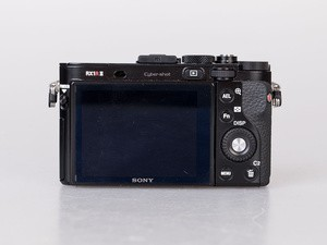 索尼RX1RII使用的什么镜头?