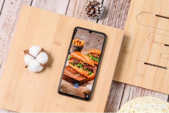 现在的5G市场,哪款5G手机更加适合学生党?