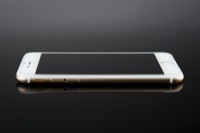 华为手机和荣耀手机哪个好??