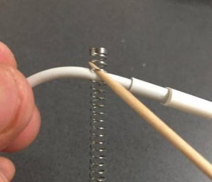 苹果数据线为什么用一段时间以后就容易坏?