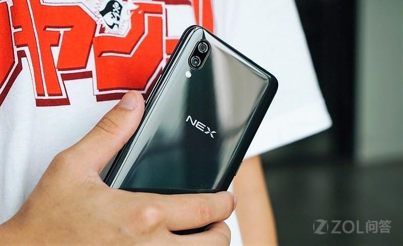 vivo NEX 和 OPPO Find X 买哪个好?