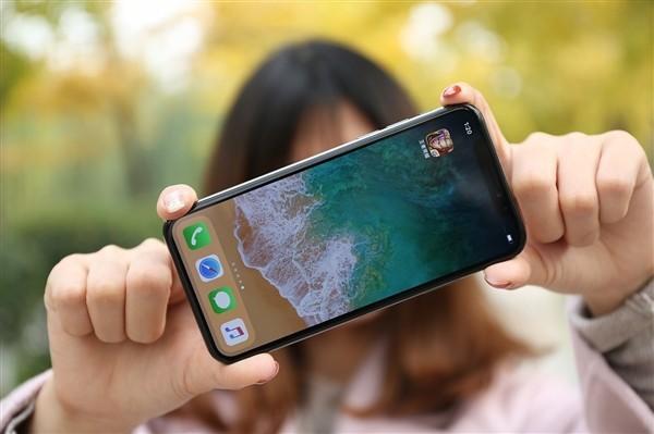 iPhone XS/XR电池背壳能增加多少续航?