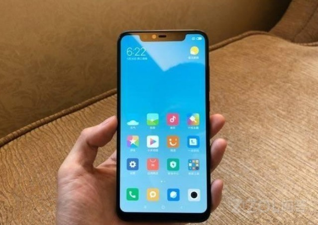 目前为止的全面屏手机为什么只有iphone X没有下巴?