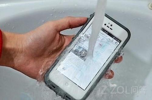 iphone5屏幕进水怎么处理