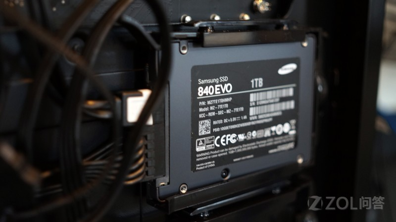 固态硬盘买什么接口的比较好?哪种接口传输速度最快?