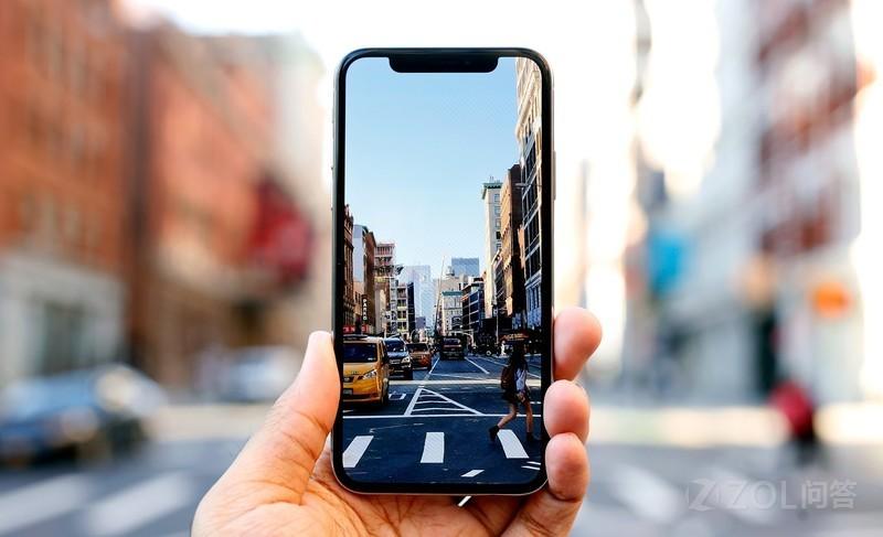 1台iPhoneX可以买3台国产旗舰手机,硬件成本差不多的情况下,iPhoneX为什么可以买这么贵?