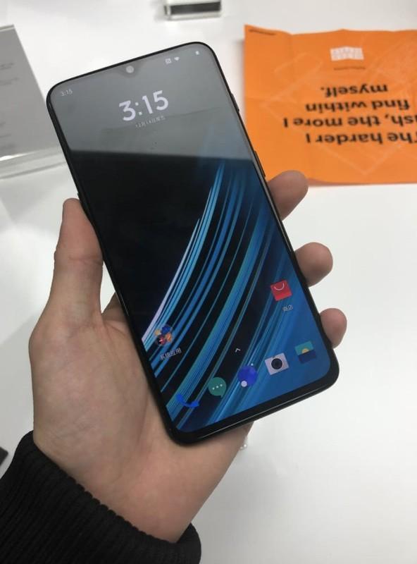 性价比最高的10G内存手机是哪个?