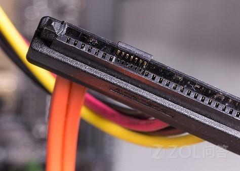 不同接口的固态硬盘有什么区别?