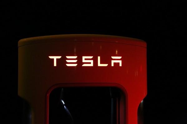 特斯拉Model 3三个月送修三次是质量不行么?