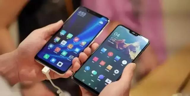 明年各厂商要主推折叠屏手机了吗?