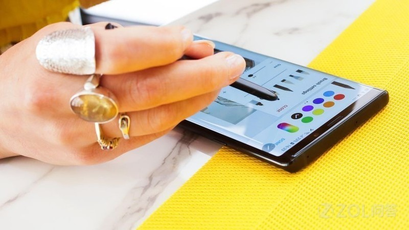 三星Note9有哪些升级?值得入手吗?