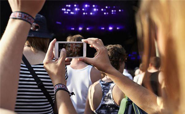 为什么现在的手机摄像头越来越多?