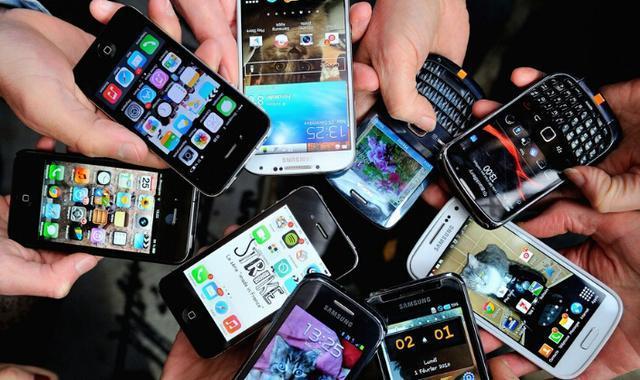 中国智能手机市场销量猛降,苹果、华为、小米怎么办?