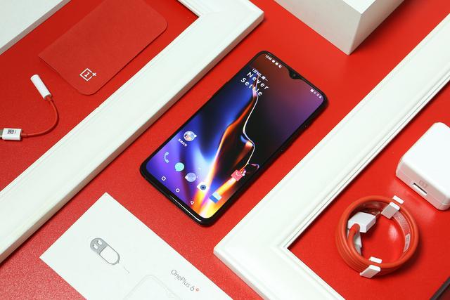这几个月想换个手机,最近比较中意一加3t,又比较期待米6的出世,问下大神们一加3t 还是米6值得买
