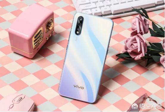 荣耀9X和vivoZ5价格都差不多,哪款手机更适合学生党使用?